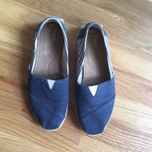 Tom shoes size 6